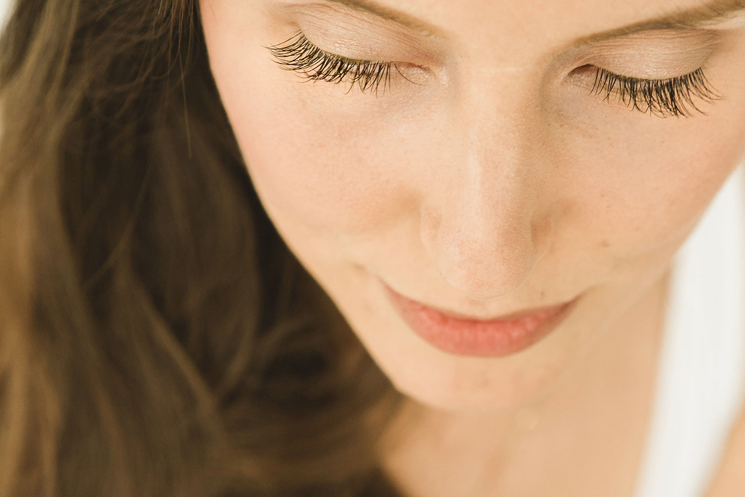 Lift Or Lash The Difference Between Eyelash Extensions And Eyelash